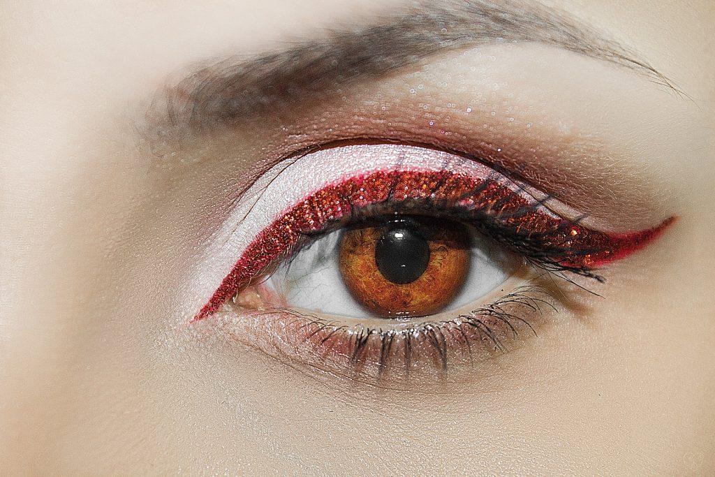 Maquillage des yeux pour les débutants