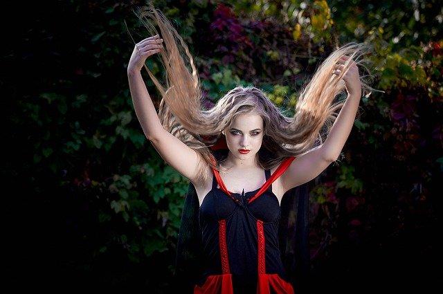 Maquillage-halloween-sorcière-qui-fait-peur
